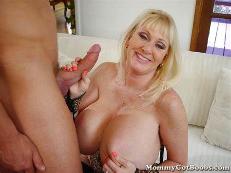Cunt Blowjobs Cumshot Blondes Milfs Body Club