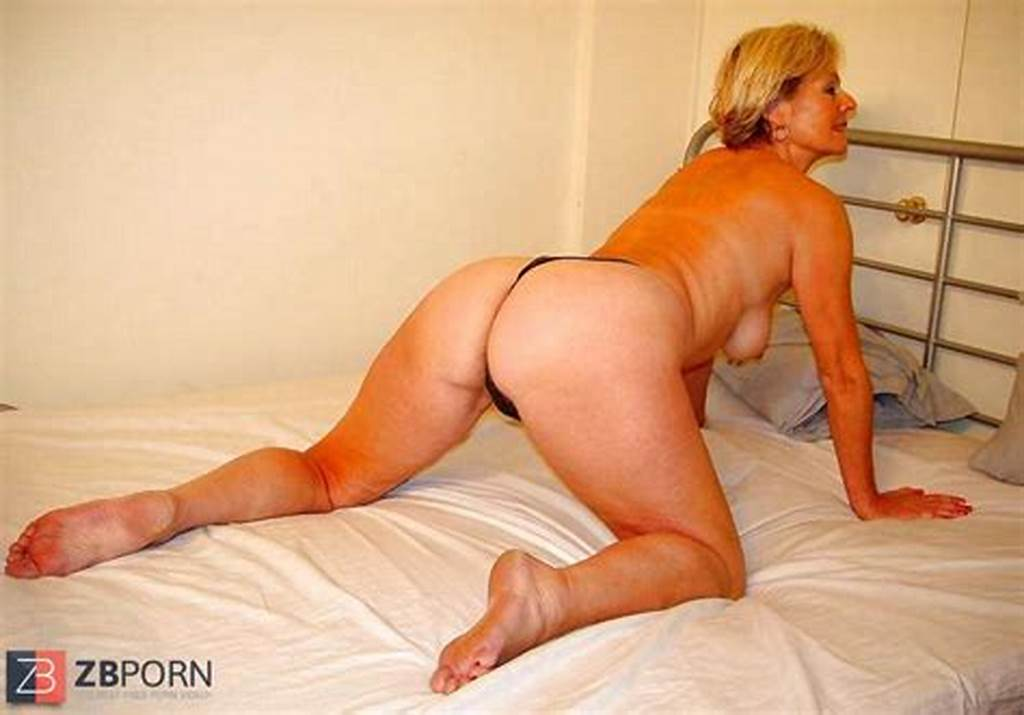 #Mature #Justine #Posing #Naked #On #The #Bed