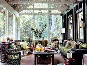 Furniture for screened in porch small screen porch for Screened in porch design ideas