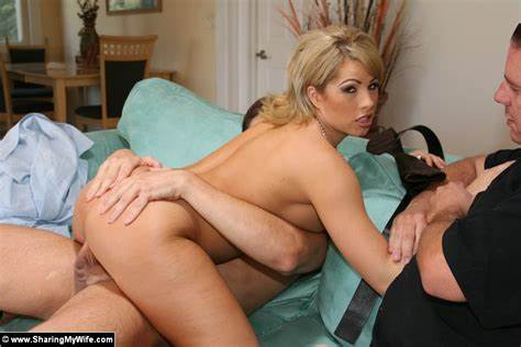 Long Pussy Blondes Mia Malkova And Bailey Brooke In Party