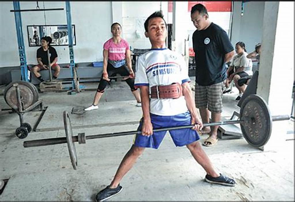 #Young #Weightlifters #Train #At #The #Elephant #Club #A #Private