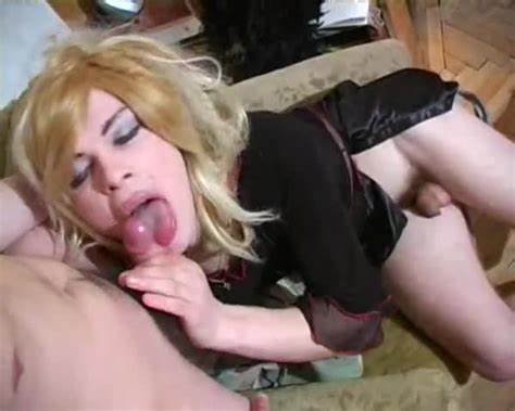 Model Crossdresser Being Banged Erotic cross dresser porn pics