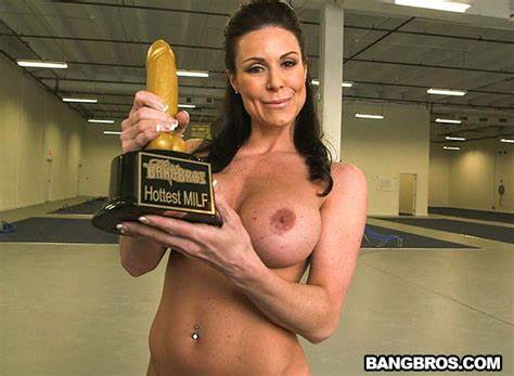 Dick Addict Kendra Lust Relishes It Hard