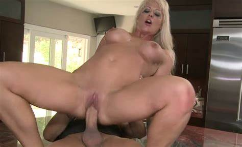 Xcafe Snatch Mother Alluring