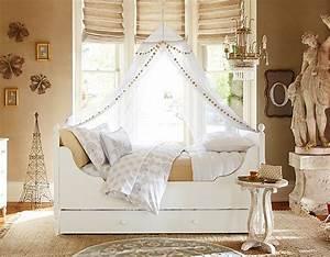 88 idees cool de deco chambre enfant au charme retro With tapis enfant avec les canapé lit