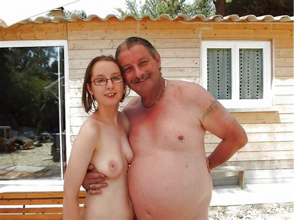 #Nudist #Familie
