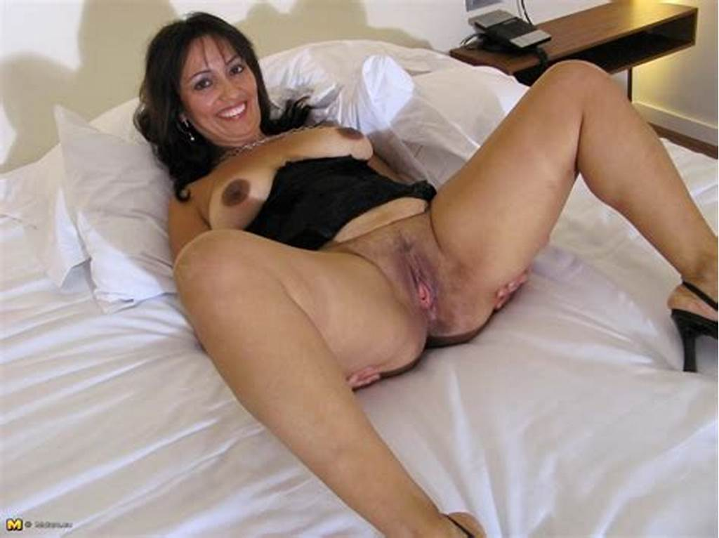 #Hot #Housewife #Angy #Loves #To #Get #Herself #Wet