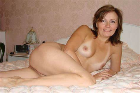Bed Gangbang With A Pallid Milf