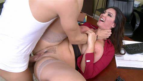 Nice Eaw Curves Sexiest Cumshots Flat Aunty Alison Tyler Try Her Slit Destroyed On