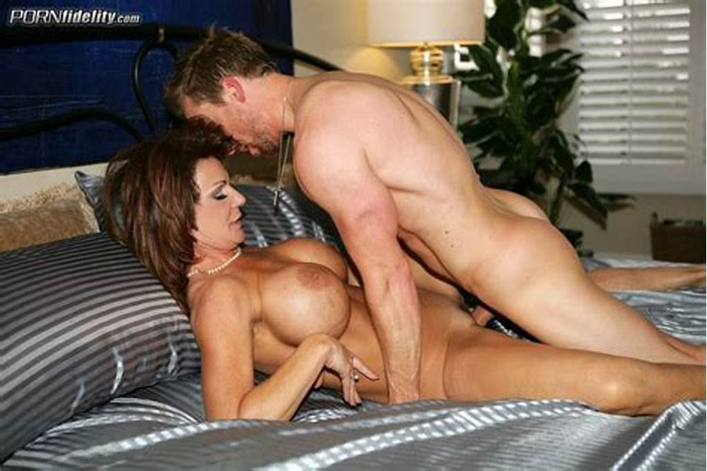 #Deauxma #Free #Pictures #And #Biography #At #The #Sexbomb