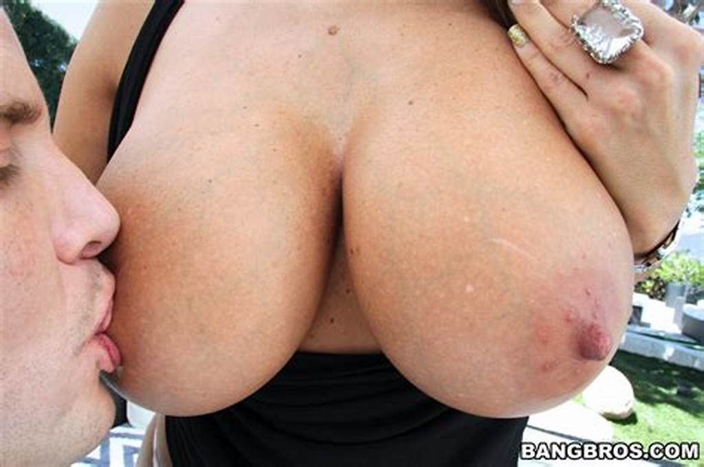 #Sexy #Oiled #Milf #Ava #Addams #Getting #Her #Asshole #Drilled