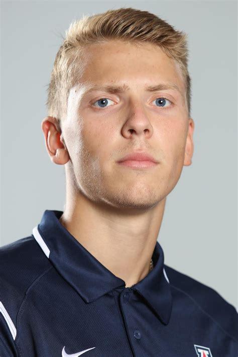 UA teammates James Smith, Maksims Sincukovs push each ...