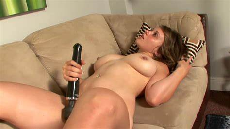 Ugly Lass Tries Blowjob Stimulation After Pissing Saggy Teenage Get Strict Masturbation