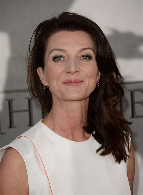 Michelle Fairley 2020: dating, net worth, tattoos, smoking & body measurements - Taddlr
