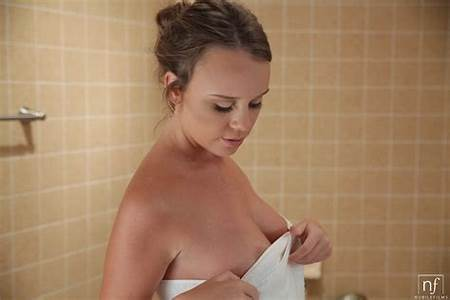 Nude Teen Shower Isabella