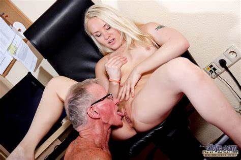 Young Secretary Fucking By Student Boss