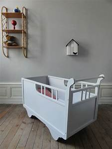 Lit Bébé Vintage : lit bebe roulotte annees 50 gris vintage moi ~ Dode.kayakingforconservation.com Idées de Décoration