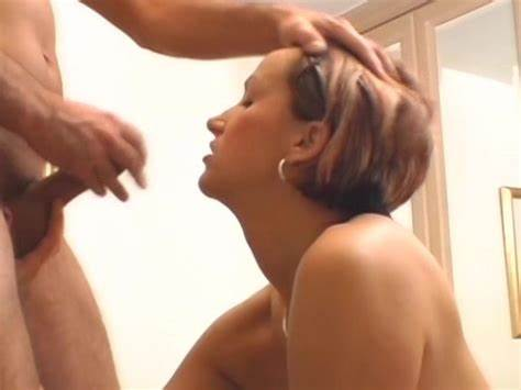 Good Brunette Woman Squirts On Huge Short Haired