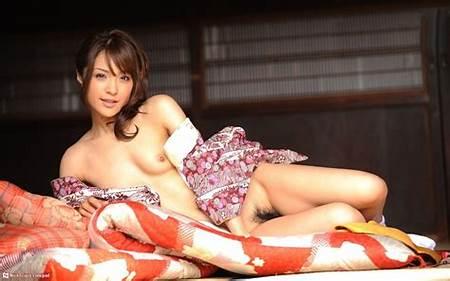 Nude Kimono Teen