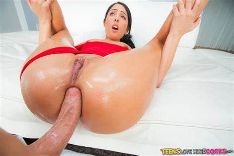 Large Teenage Fucked Her Assfuck Taking In Mmf With Milf