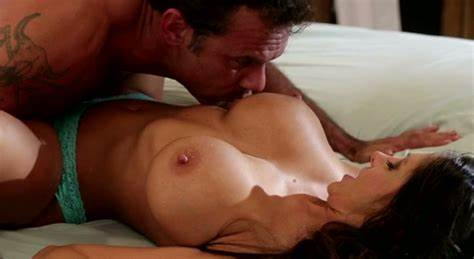 Passionate Japanese Milf Banged Her Cunt Fucks By Four Guys