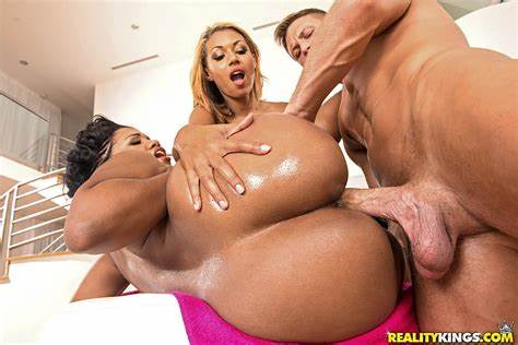 Threesomes Caucasian Pussies For Native Sex Blacks