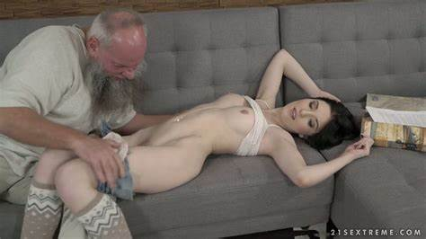 Bailee Pants Sex Xxx Black Haired Fingers Puss