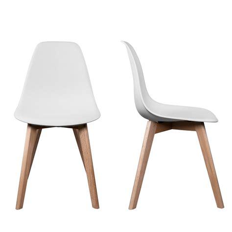 pied de chaise dans la chatte chaise scandinave pas cher chaise design topkoo