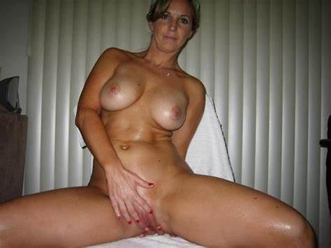 Shaved And Sultry Classic Sex