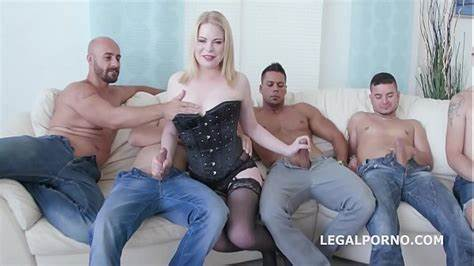 Curvy Black Lady Drilled Three Brothas In Front Of Her Amateur