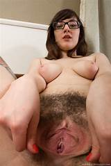 Big tits hairy pussy clips