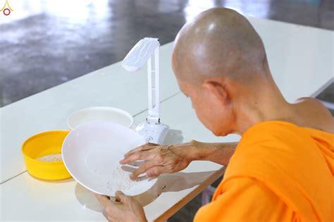 ภาพดี ภาพพระพุทธศาสนา - บุญคัดหินเกล็ด พร้อมกับสวดธัมมจัก ...