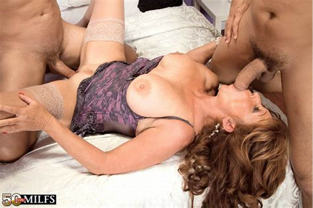 #Older #Mom #Sheri #Fox #Takes #It #Up #The #Butt #While #Fucking