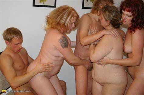 Mommy Banged By Party Teenie Guys