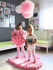 tapis en forme de coeur rose rose pom pom tapis tapis With tapis chambre bébé avec bouquet de fleur rose en coeur