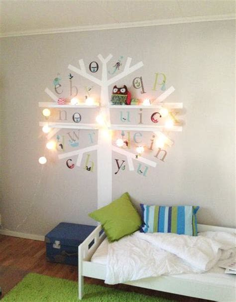 fille nue chambre deco murale chambre bebe pochoir decoration chambre bebe