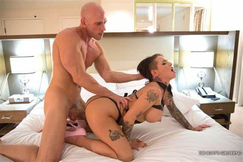 Giant Busty Tattooed Gf Tries Out Clit Porn