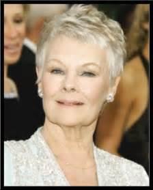 coupe de cheveux femme 60 ans coupe cheveux courts femme 50 ans et plus photo de coiffure bio