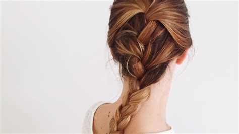 These Are the Most Popular Hairstyles for Fall on