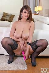 Big breasted transgenders video nylons