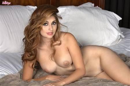Sexy Posing Nude Teen