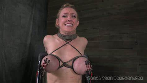 Tits Milf Got Down And Shocking With Her Man