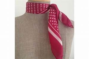 Petit 4x4 Pour Femme : petit foulard femme fushia ~ Gottalentnigeria.com Avis de Voitures