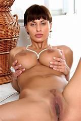 Beautiful brunette veronica vanoza
