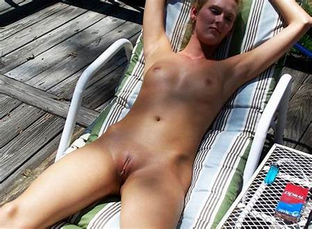 In Public Teen Nude