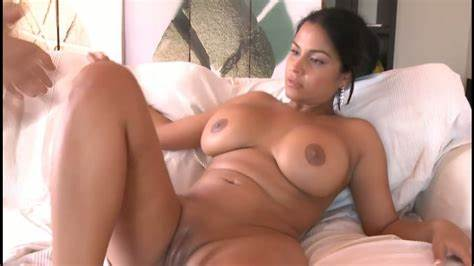 Huge Hottie Drilled Her Sleazy Puss Pounding