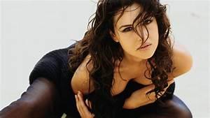 60 Sexy Monica Bellucci HD Wallpaper