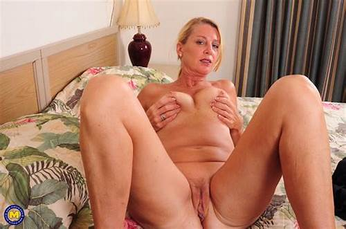 Sloppy Dutch Housewife Playing With Herself #Mature #Exhibitionist #Wife #Comes #Home #From #Work #And #Plays