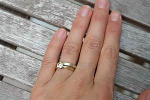 what finger does the wedding ring go on 2017 smugiinfo With how does the engagement ring and wedding band work