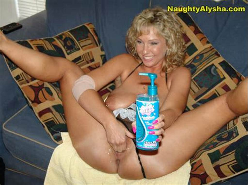 #Curly #Haired #Milf #Fists #Her #Hole